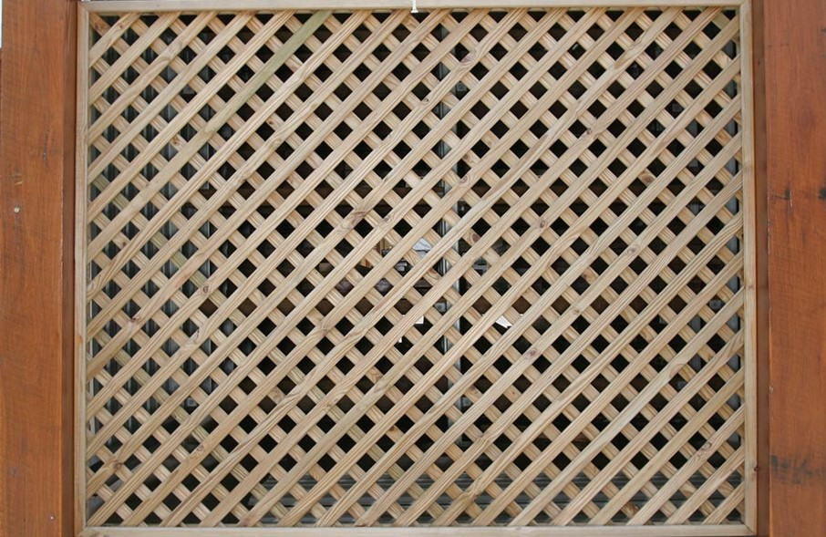 Diagonal Lattice Screen available from Tradeware Building Supplies suppliers of quality timber in Brisbane.