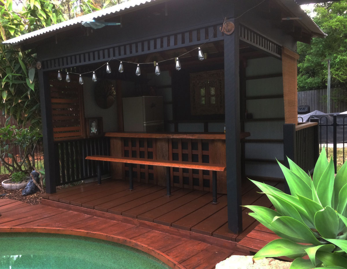 Pool Gazebo featuring the beautiful Spotted Gum Slabs, wide Merbau Decking, Big End Section Hardwood Posts available from Tradeware Building Supplies Brisbane.