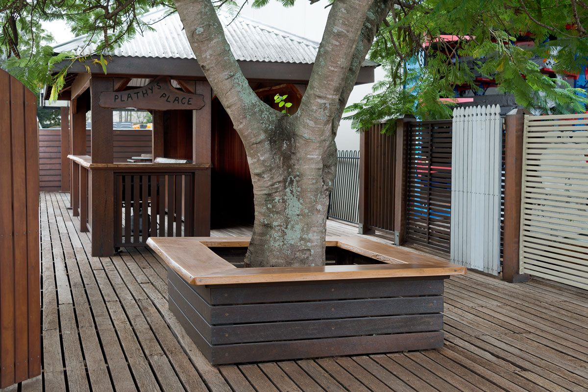 Australian Hardwood species for decking including Spotted Gum, Iron Bark and Blackbutt. Australian Hardwoods