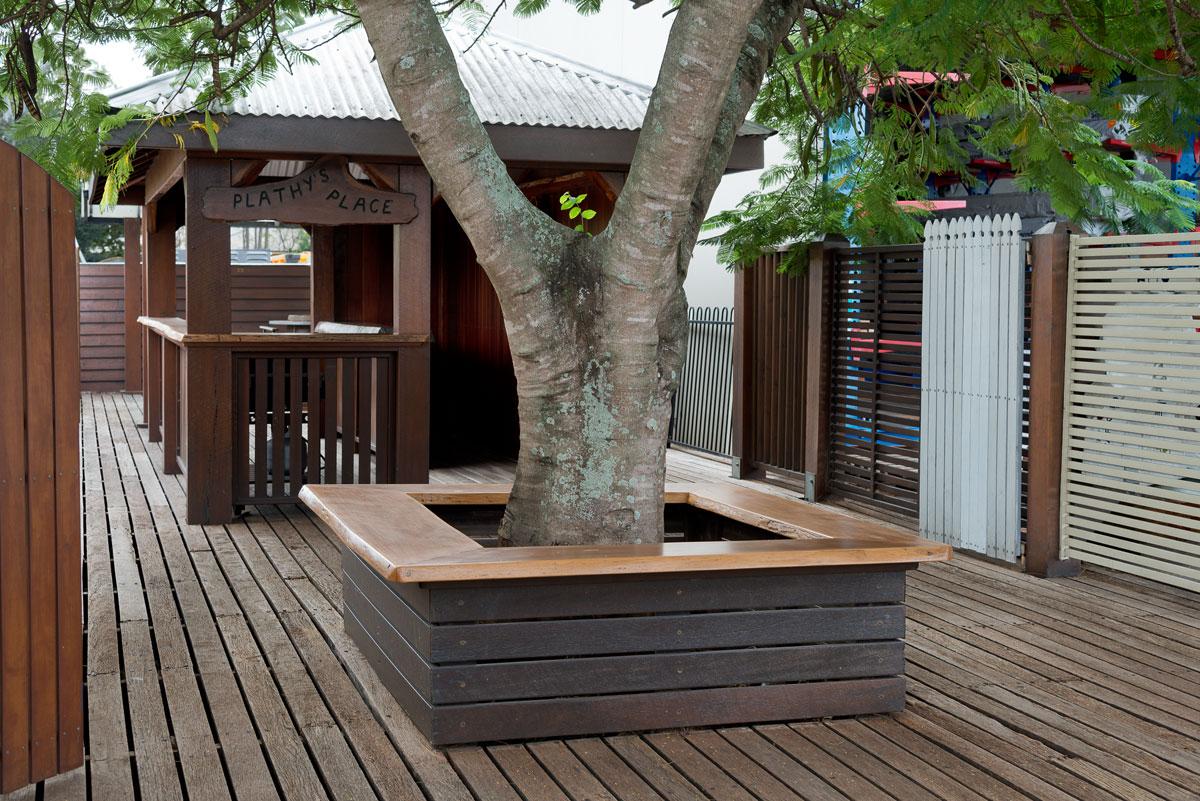 Australian Hardwood species for decking including Spotted Gum, Iron Bark and Blackbutt. Australian Hardwoods
